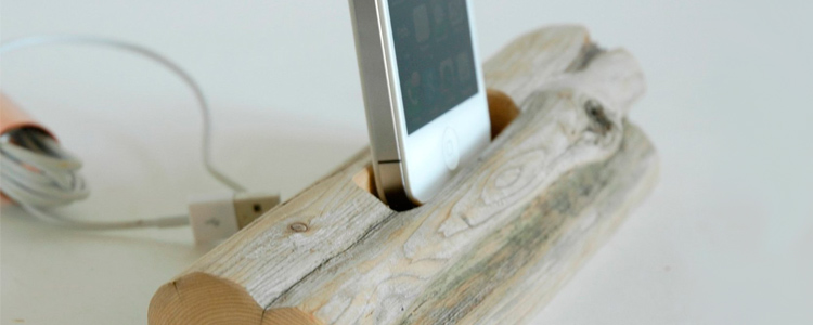 driftwood-docking-station